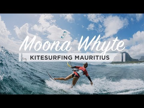 Moona Whyte - Kitesurfing Backside - One Eye Mauritius